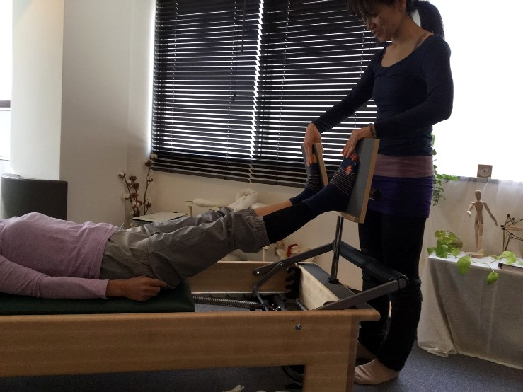 Pilates Equipment Machine Excecise Trial Footprints T-bar ピラティス マシン エクササイズ 体験会 フットプリント Tバー