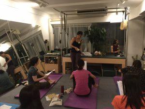 Trainer Studymeeting Pilates Yoga Instructor Fascia Breath hip joint foot Movement トレーナー 勉強会 ピラティス ヨガ インストラクター 筋膜 呼吸 背骨 股関節 足関節 解剖 ムーブメント