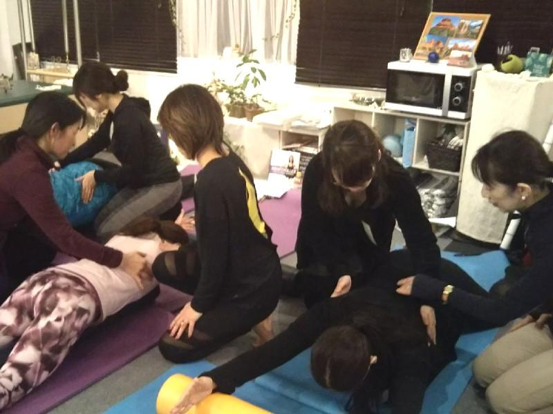 Trainer Studymeeting Pilates Yoga Instructor Fascia Breath hip joint foot shoulder Movement トレーナー 勉強会 ピラティス ヨガ インストラクター 筋膜 呼吸 背骨 股関節 足関節 膝関節 肩関節 解剖 ムーブメント