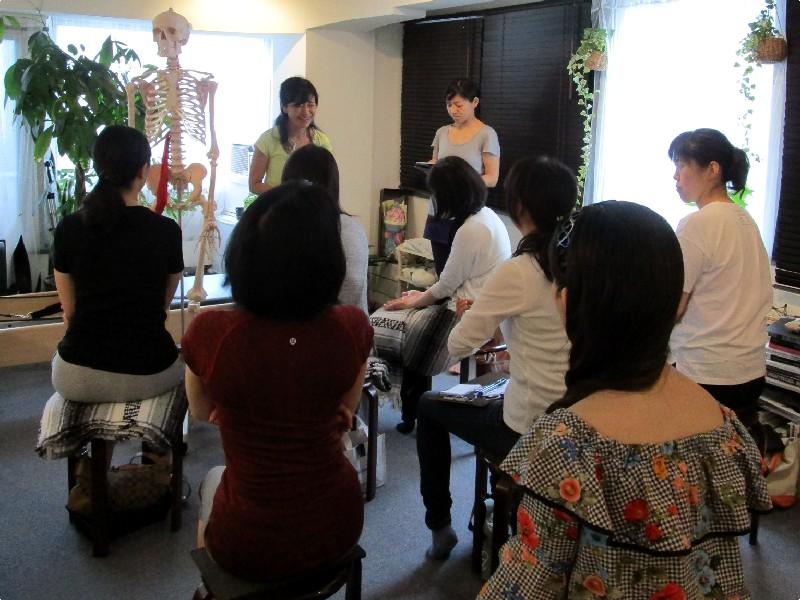 ト Atsumi 写真 ピラティス 肩関節 疾患 Studio Lesson Pilates Photo